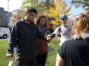 Réalisation d'une entrevue lors de la Marche des 1000 parapluies de Centraide - octobre 2014